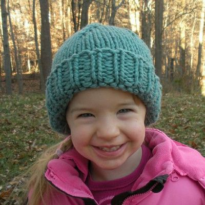 Chunky Knit Hat Pattern Free : chunky knit hat (free pattern) / knits and kits - Juxtapost