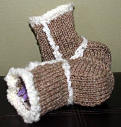 Girls Knitted Hat Pattern : Baby Booties - Ugg Boots Knitting Pattern. / knits and kits - Juxtapost