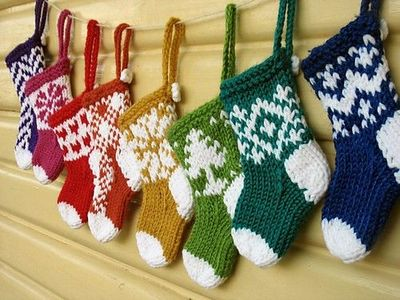 Quick Knits Free Pattern : Eee! So cute! Mini Christmas Stocking Ornaments to knit; mus... / knits and k...