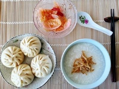 Typical Chinese breakfast. / asian dishes - Juxtapost
