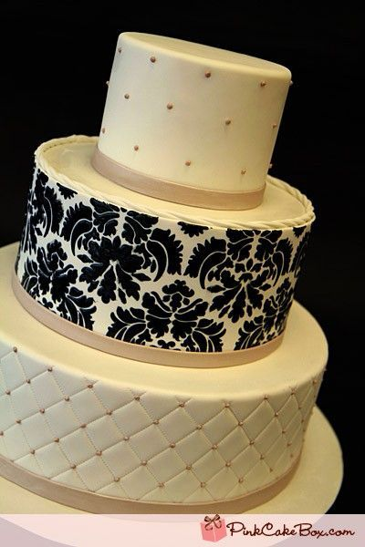 Damask #wedding #cake with #quilting detail / wedding cakes ... : quilting on a cake - Adamdwight.com