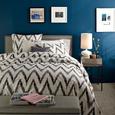 Blue accent wall, love this color / For the bedroom - Juxtapost
