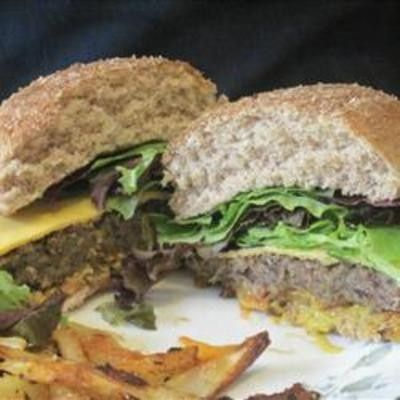 Homemade Black Bean Veggie Burgers / meals to make - Juxtapost