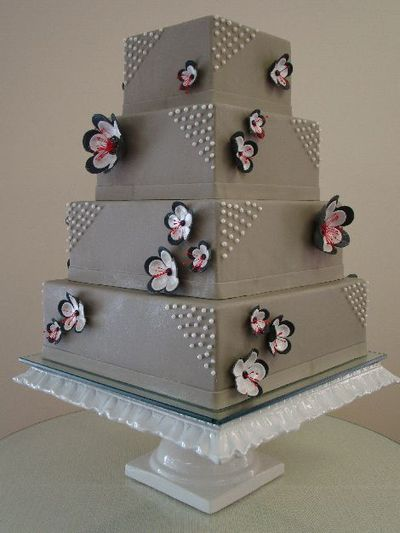 The Perfect Gray Wedding Cake Love This Pearls On Corners Of Each