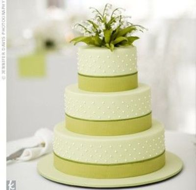 Simple Green White Wedding Cake Wedding Cakes Juxtapost