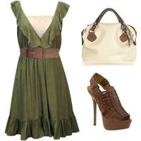 Outfit -- brown flats