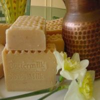 Buttermilk & Goat Milk with Oatmeal and Honey Soap $10.50