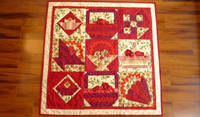 CHRISTMAS FLOWERS QUILT from etsy.com