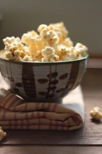 vanilla infused caramel with sea salt popcorn