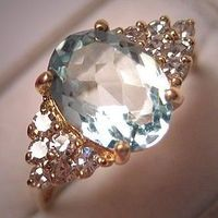 A Stunning Vintage Aquamarine and Diamond Ring, Estate Art Deco Style in 14K Gold