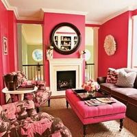 What a lovely pink room.