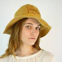 Wool Hat / Gold Cloche from etsy.com