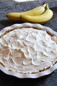 Banana, toffee and whipped cream pie!